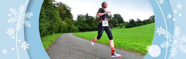 Laufen im Winter: Diese Tipps von Duathlon Weltmeisterin Jasmin Brammert sind Gold wert.
