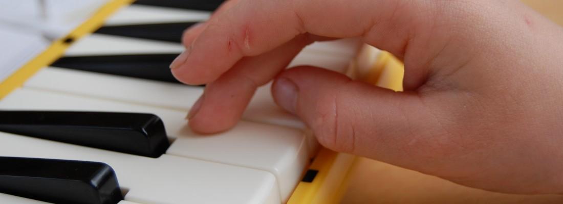 Melodika Hand